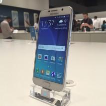 Come sapete in questi giorniTechEarthBlogè alMobile World Congress 2015di Barcellona per aggiornarvi sututte le novità presentate durante l'evento. In questo video andremo a vedere ilSamsung Galaxy S6, il nuovo smartphone top di gamma dell'azienda sud coreana.