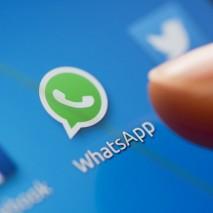 Dopo tanteindiscrezioni e una lunga attesa finalmente WhatsApp ha rilasciatola sua applicazioneufficiale per Windows e OS X.Oltrealla versione accessibile tramite browser,il serviziodi messaggistica più utilizzato al mondo arriva ufficialmenteanche su computer. Scopriamo insieme tutte le novità e come attivarela nuova […]