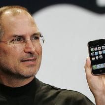 Stando a quanto riportato dal quotidianoSan Francisco Examiner sembrerebbe che Tim Cook, attuale CEO di Apple, abbia dichiarato che le prossime due generazioni di iPhone (quindi iPhone 5S ed iPhone 6) che verranno introdotte nel mercato nell'immediato futuro siano state […]