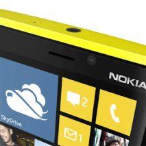 """Qualche giorno fa è comparso a sorpresa in uno spot televisivo di un gestore telefonico olandese un misterioso modello di Nokia Lumia """"non identificato"""", infatti il modello mostrato nel video non sembra corrispondere a quelli attualmente in commercio ma piuttosto […]"""