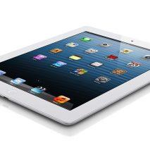 A sorpresa Apple tramite un comunicato stampa ufficiale ha annunciato l'imminente commercializzazione dell'iPad di quarta generazione con Retina Display da 128 GB di storage interno andando così a soddisfare anche i più esigenti. Questo nuovo taglio andrà ad aggiungersi agli […]