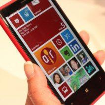 Microsoft ha recentemente pubblicato sul suo canale YouTube un nuovo e divertentissimo spot dedicato al Nokia Lumia 920, il top di gamma dell'azienda finlandese. Nel video viene mostrate la celebrazione di un matrimonio durante il quale i parenti dei due […]