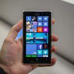 Nokia: ecco il nuovo spot nel Lumia 925… che prende in giro quello dell'iPhone 5 [VIDEO]
