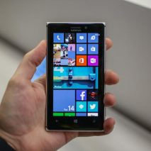 Sta circolando in rete un video comparso su YouTube che mostrerebbe il nuovo Windows Phone 8.1 installato su un Nokia Lumia 920. Nel video molto breve e di scarsa qualità si può intravedere il nuovo centro notifiche che compare scorrendo […]