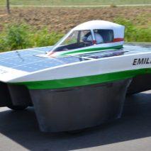 Il suo nome èEmilia III l'autovettura italianache parteciperà all'edizione di quest'anno delWorld Solar Challenge,la più grande competizione al mondo per automobili a energia solare.