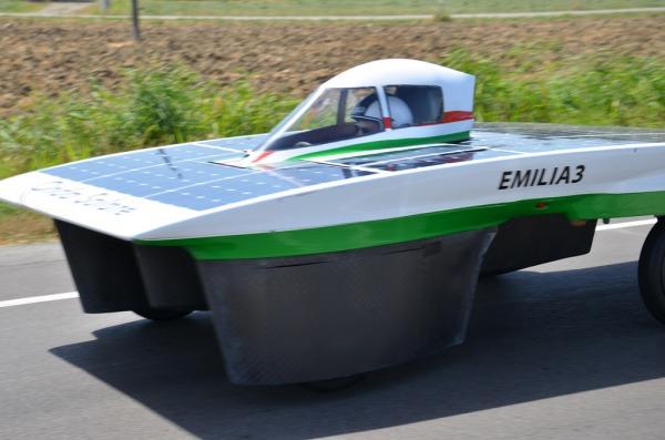 vettura ad energia solare