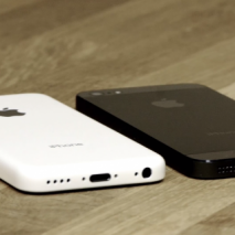 Sono ormai all'ordine del giorno i rumors che riguardano l'iPhone economico che Apple dovrebbe presentare tra poche settimane assieme al fratello maggiore, l'iPhone 5S. Solo pochi giorni fa è trapelato in rete tramite la confezione il nome che la compagnia […]