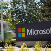Cominciano a circolare le voci riguardanti Windows 9, il futuro sistema operativo di casa Microsoft. Stando a quanto dichiarato da fonti molto vicine all'azienda di Redmond, Microsoft avrebbe intenzione di rilasciare la prima Preview di Windows 9 a Febbraio 2015.