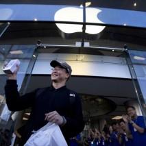 Finalmente Apple e China Mobile, il più grande operatore telefonico del Mondo (con oltre 700 milioni di clienti), hanno trovato un accordo per la vendita dell'iPhone nel paese asiatico. Da Gennaio 2014 infatti China Mobile comincerà a vendere iPhone 5C […]