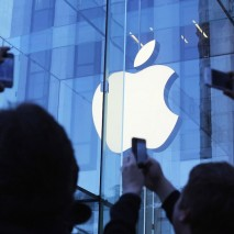 Forbes, nota rivista americana di economia e finanza, ha stilato la nuova classifica aggiornata relativa alle maggiori aziende di tecnologia del mondo. Quest'anno, per la prima volta nella storia, Apple è riuscita araggiungere la prima posizioneall'interno di questa speciale classifica […]