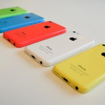 """L'iPhone 5C, lo smartphone Apple lanciato sul mercato lo scorso autunno insieme al top di gamma iPhone 5S non è mai riuscito ad entrare nel cuore degli utenti come i suoi """"fratelli maggiori"""". Le vendite di questo smartphone hanno subito […]"""