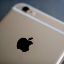 """Non c'è più un momento di tranquillità perApple, proprio qualche giorno fa un'impresa che rivendica l'utilizzo del brand """"iPhone"""" sul suolo indiano ha chiamato in tribunale l'azienda di Cupertino. Poco tempo addietroad Apple erano accadute altre vicende simili, come il […]"""