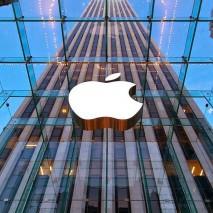 Poche ore fa Apple è riuscita ad infrangere un nuovo record storico: la sua capitalizzazione di mercato ha raggiunto e superato i 700 miliardi di dollari, più dell'intera Svizzera. È un traguardo notevole quello cha Apple è riuscita a raggiungere, […]