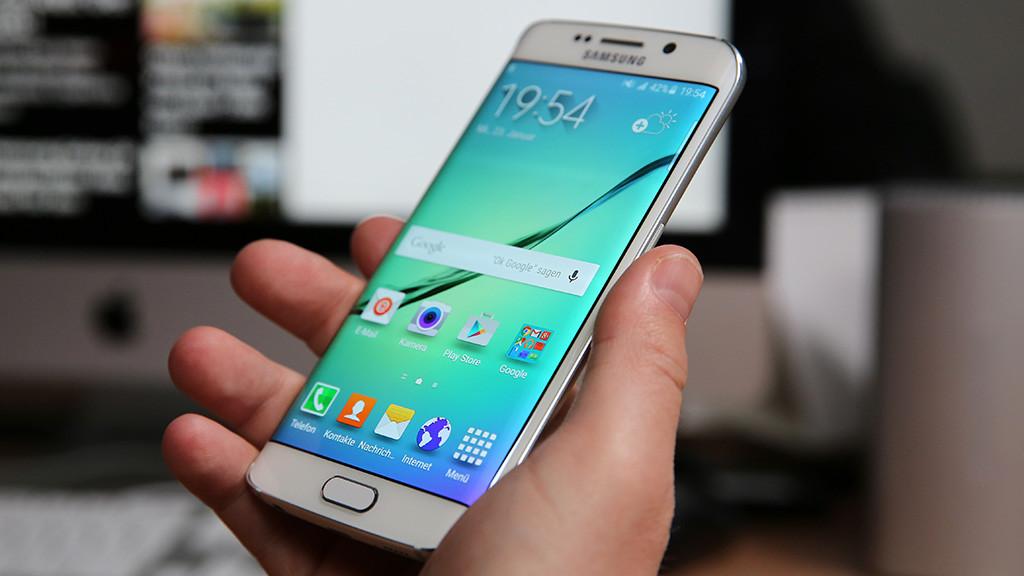 Galaxy S6 Edge: Samsung copia lo spot dell'Apple Watch Edition?
