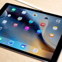 Durante ilkeynoteorganizzato daApplealBill GrahamCivic Auditoriumdi San Francisco l'azienda di Cupertino hapresentato il più grande tablet che ha mai realizzato:iPad Pro. Questanuova generazione di iPadpresenta un display da ben 12.9 pollici eracchiude al suo internomoltissimenovitàhardware esoftware, scopriamo insiemetutti i dettaglidi questo […]